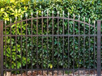 metal fence and gate repair milton